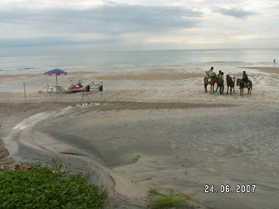 Sailom Hotel Hua Hin - Dirty beach
