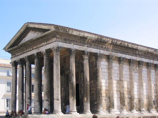 Nimes, France: La Casa quadrata
