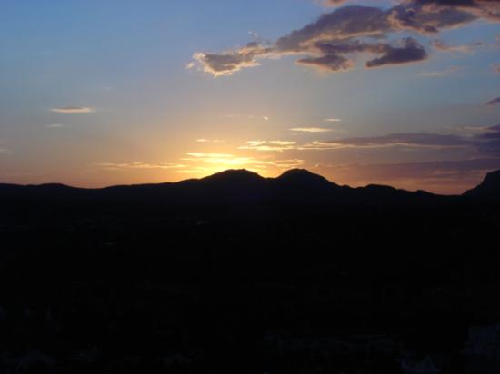 Prescott Resort & Conference Center: Sunset view from balcony