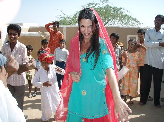 Mirvana Nature Resort and Camp: me,dancing with the local village people