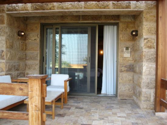 Kempinski Hotel Ishtar Dead Sea: My room's balcony