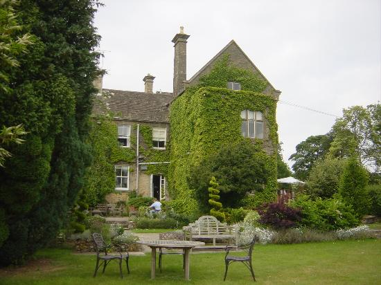 Fosse Manor Hotel: Hotel from the garden