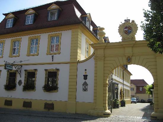 Romantik Hotel Zehntkeller: The entrance
