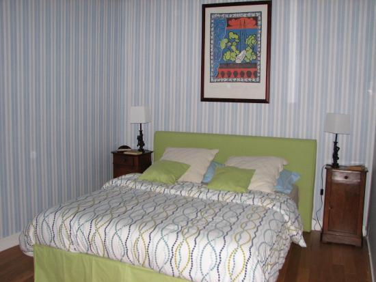 Logis Saint Mexme: dormitorio