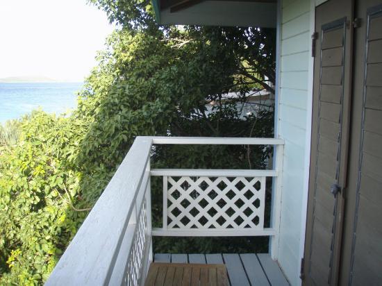Mahogany Tree Villa: Upper deck view to STT