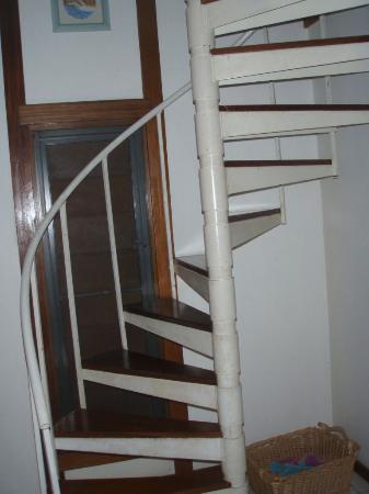 Mahogany Tree Villa: the staircase