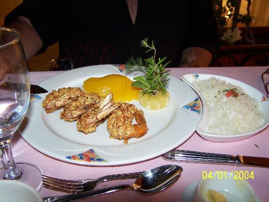 Stare Hory, Slovakia: des gambas au peche et noix de cajoux