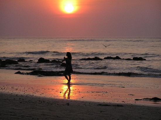 Puerto Jimenez, Costa Rica: sunset stroll