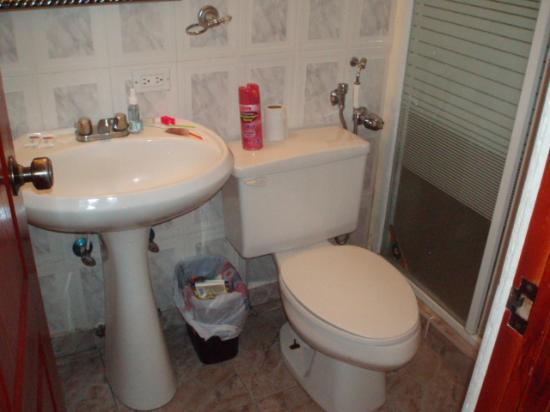 Hotel el Parador: bathroom
