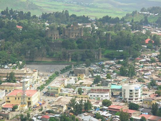Gonder, เอธิโอเปีย: The castle compound with Gondar City