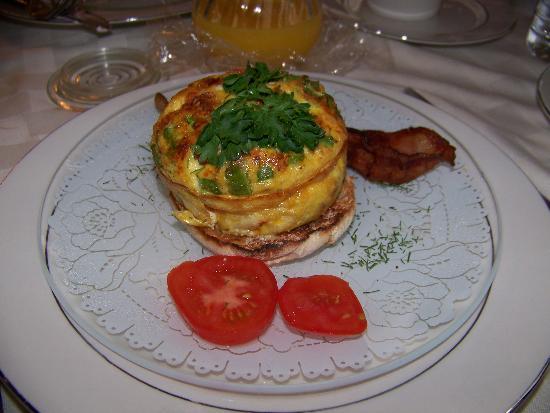 Weller Haus Bed, Breakfast and Event Center: Breakfast pie -- uummy!