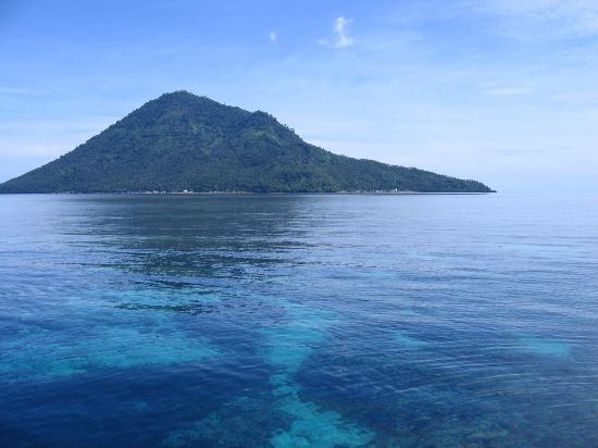 Bunaken Cha Cha Nature Resort: Manado Dua - form dive boat