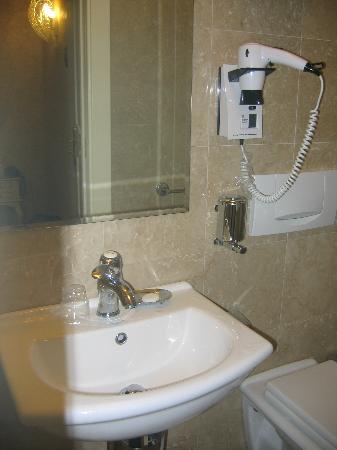 Hotel Ca' Formenta: Bathroom  2