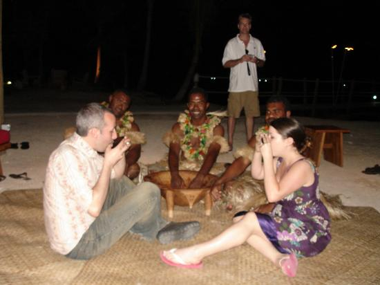 Likuliku Lagoon Resort: Kava ceremony Highly recommended you go great fun