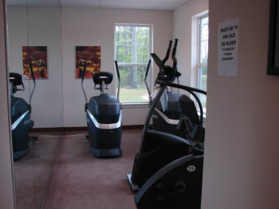 Eagle Village Resort: fitness room