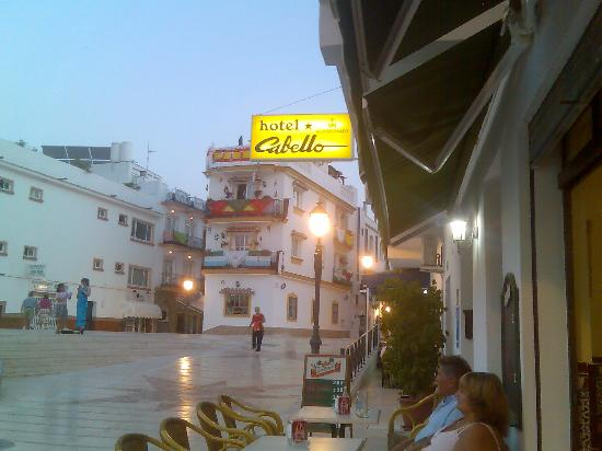 Hotel Cabello: looking right to the shops