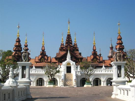 The Dhara Dhevi Chiang Mai : Main building as you entered the resort.
