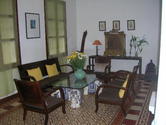 The Pavilion: Hotel lobby seating area