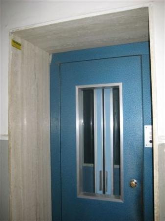 Alghero B & B El Delfi: The old lift