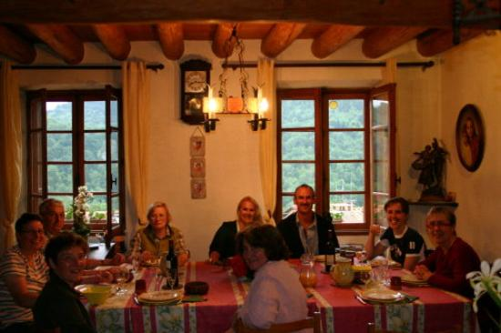 L'Oustal : Supper with fellow guests - a must!