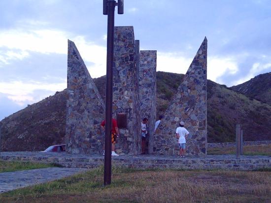 Sainte-Croix : Millennium Monument at Point Udall