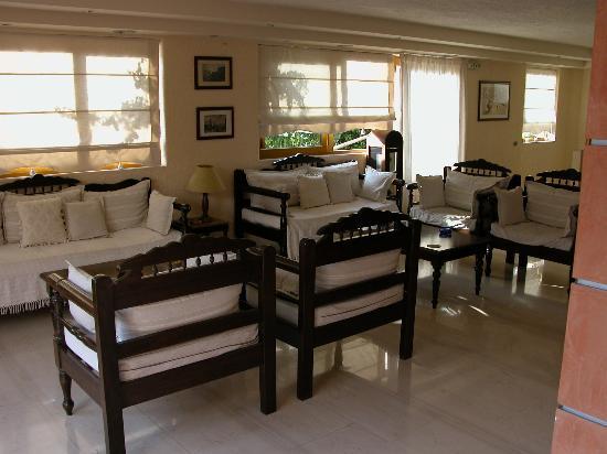 Sunbeam Studios & Apartments: Lounge