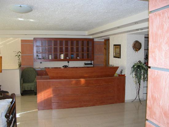 Sunbeam Studios & Apartments: Reception