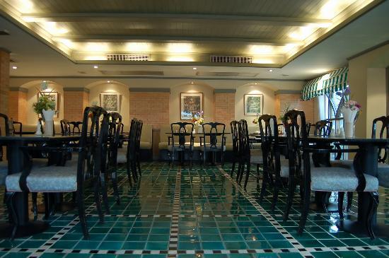 Astera Sathorn: Sathorn Dining Room