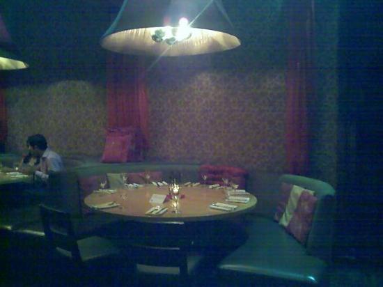 Taj : Table