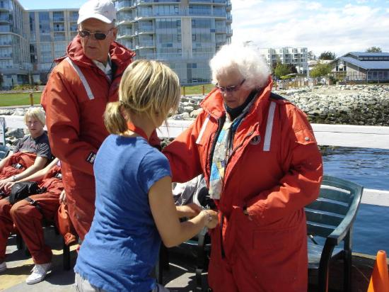 Sidney Whale Watching: Jeff's wife helping my 93 year old mom