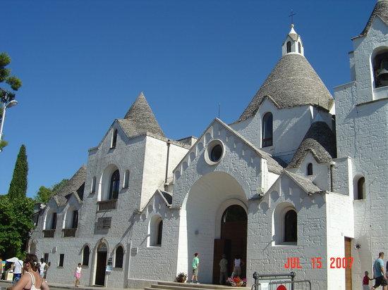 Grand Hotel La Chiusa di Chietri : Trullo church