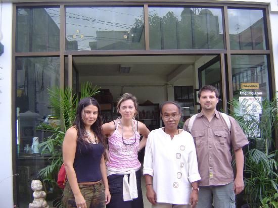 Tri Gong Residence: adam with us