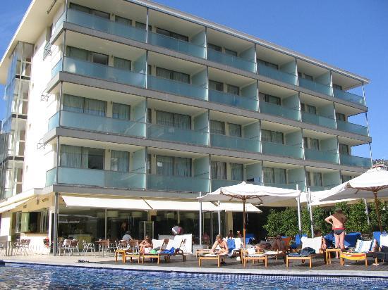 Aimia Hotel: the hotel