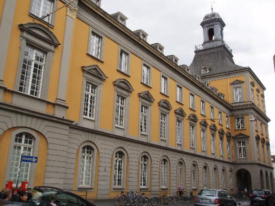 Bonn, Tyskland: The Universitat