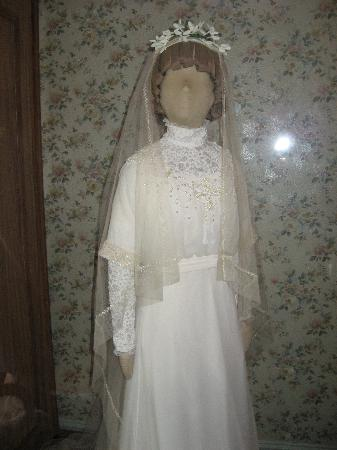 Lucy Maud Montgomery Birthplace: wedding dress