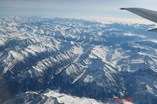 Austriackie Alpy, Austria: Austrian Alps from an airplane