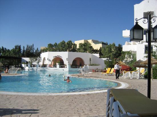Piscine photo de l 39 ecrin sandra club hammamet tripadvisor for Piscine club piscine