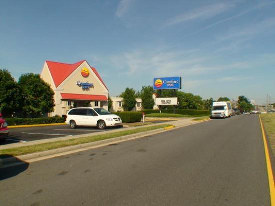 Comfort Inn Arlington Boulevard: Motel außen
