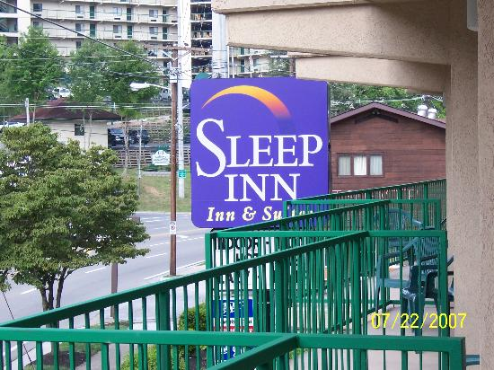 Sleep Inn & Suites: BEWARE STAY AT YOUR OWN RISK