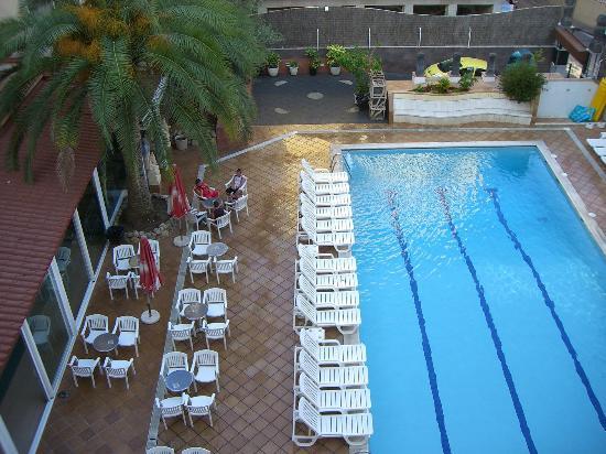 Hotel La Palmera: Vue de la chambre