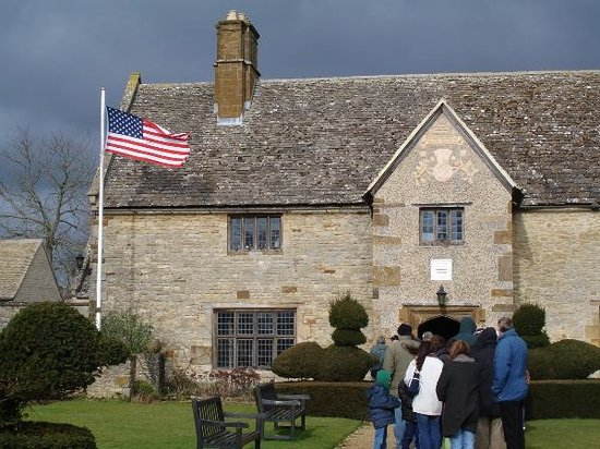 Sulgrave Manor: Entrance to the manor