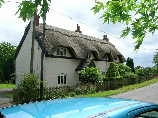 Premier Inn Ashby De La Zouch Hotel: Thatched roof near Staunton Harold