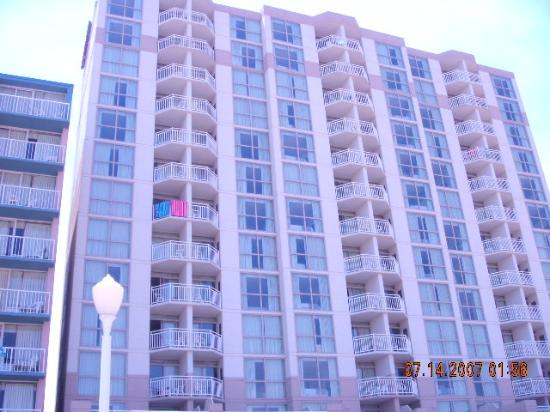 Residence Inn by Marriott Virginia Beach Oceanfront: The hotel from the beach