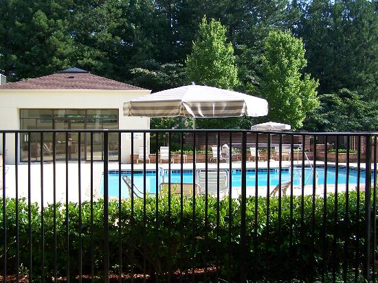 Courtyard Atlanta Perimeter Center: Courtyard Pool