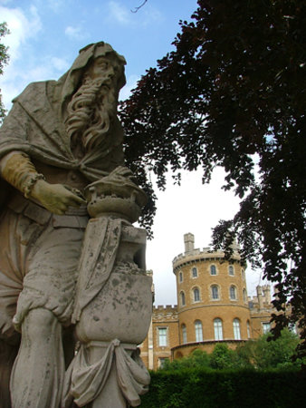 Belvoir Castle: Lovely statues