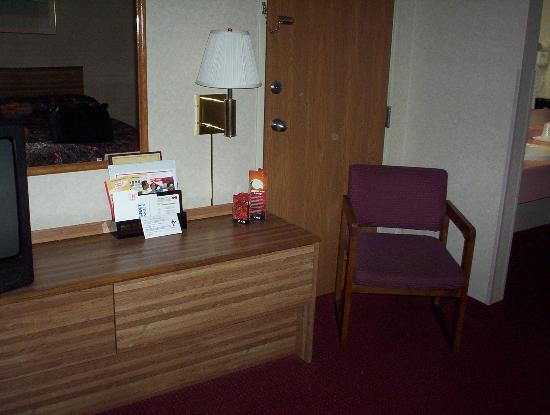 Wilkes-Barre, PA: helf-dresser and 2nd chair