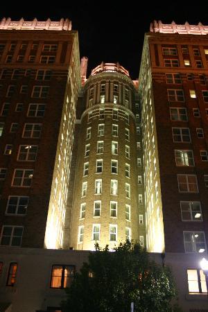 The Skirvin Hilton Oklahoma City: Exterior at night
