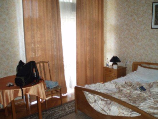 Sevastopol Hotel : The room - basic but clean