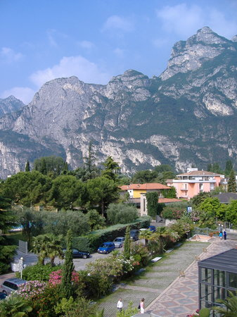 Ρίβα Ντε Γκάρντα, Ιταλία: View from Savoy Palace Hotel, Riva, Lake Garda