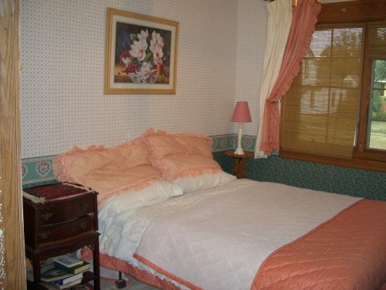 Photo of Cooke's Bed & Breakfast at Highbourne House St. Catharines